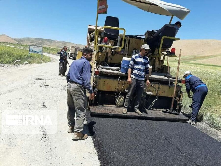 آسفالت راه روستایی منشاد مهریز به زردین تفت