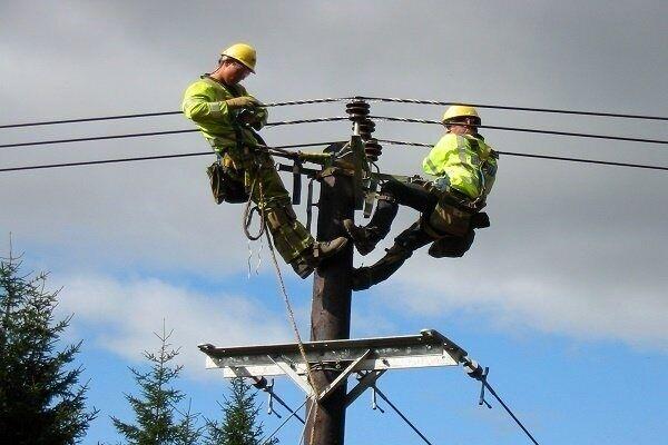اصلاح و بهسازی شبکه برق ۴۲۰ روستای کردستان