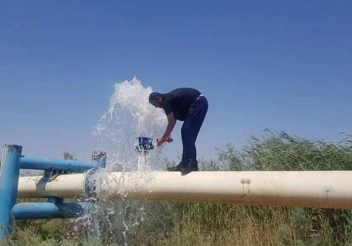 اهدای مخازن ذخیره آب موقت به ۴۳ روستای کم آب هرمزگان